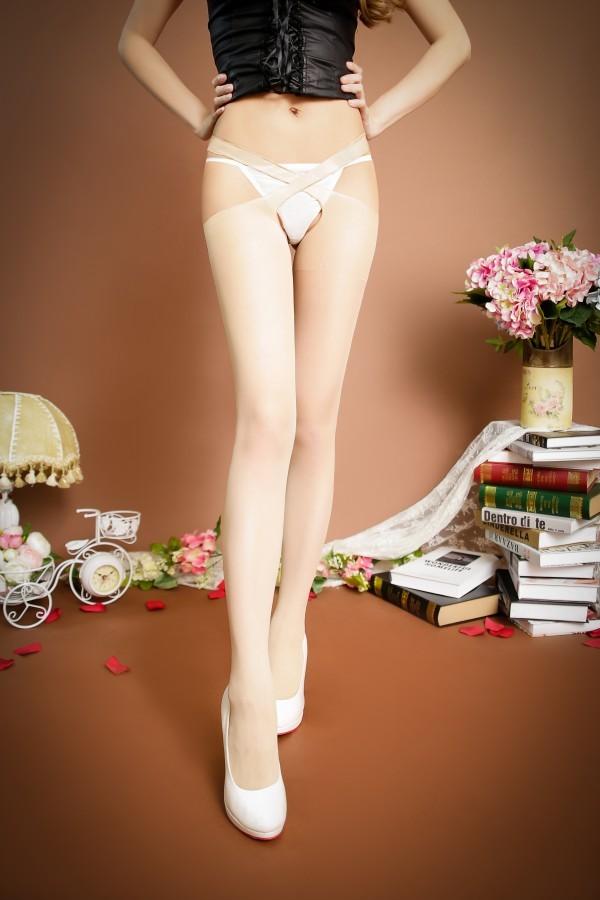 情趣用品-長筒絲襪 性感獨立交叉 四面開檔絲襪(膚)