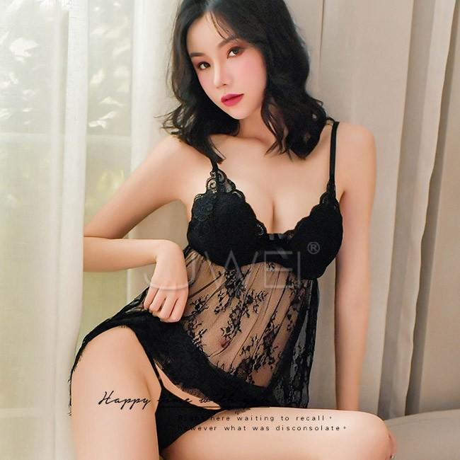 情趣用品-柔情似水.鋼托聚攏性感蕾絲吊帶睡裙(黑色)
